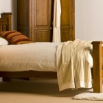 Country_bed_in_room_setting
